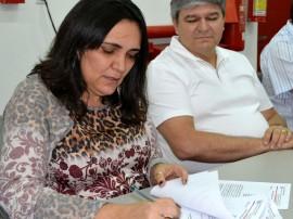 Laura Farias assina termo de cooperação 270x202 - Aesa e Sudema firmam Termo de Cooperação Técnica para melhorar qualidade da água no Estado