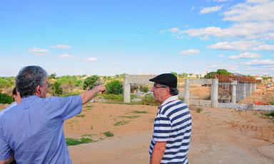 PATOS PONTE JATOBA portal - Estado assina convênios para construir mais 879 casas em Patos