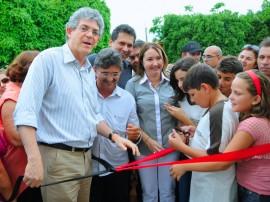 Vieiropolis ENTREGA DE ESCOLA 2 270x202 - Ricardo inaugura escola e entrega kits, bicicletas e tablets em Vieirópolis