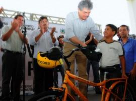 Vieiropolis ENTREGA DE ESCOLA 41 270x202 - Ricardo inaugura escola e entrega kits, bicicletas e tablets em Vieirópolis