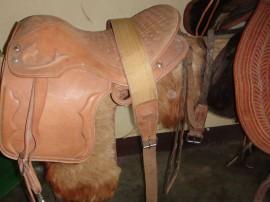 artesão de couro 21 270x202 - Artigos em couro ganham destaque no Salão do Artesanato da Paraíba