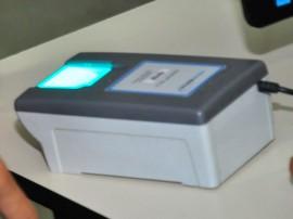 identificador biometrico detran prova foto jose lins 3 270x202 - Governo firma parceria com TRE e instala postos para cadastrar eleitores para o sistema biométrico