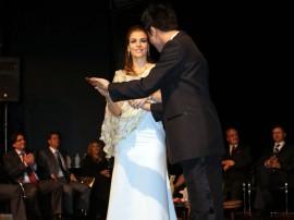 pamela recebe trofeu mulher influente foto ricardo castro 3 270x202 - Primeira dama recebe prêmio pelos trabalhos à frente do Artesanato