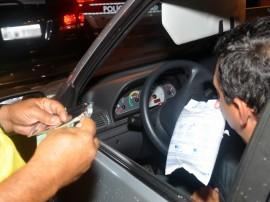 pm e detran realizam operacao lei seca foto roberto guedes 31 270x202 - 'Lei Seca' realiza mais de 470 testes de bafômetro em João Pessoa