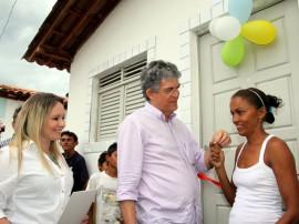 ricardo entrega casas em sao bentinho foto francisco frança 1 270x202 - Ricardo entrega casas para famílias carentes em São Bentinho