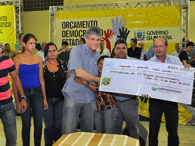 ricardo orcamento democratico patos 07 - Ricardo autoriza recuperação de barragens, mais escolas e rodovia