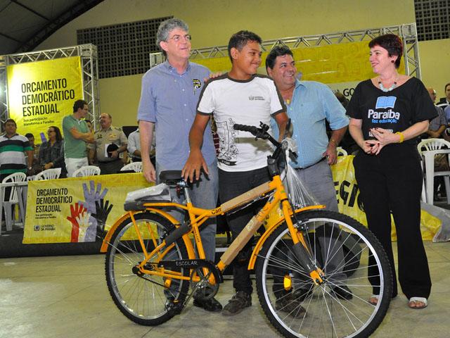 ricardo orcamento democratico patos 17 - Ricardo autoriza recuperação de barragens, mais escolas e rodovia