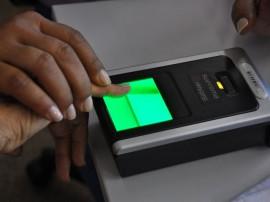 03.06.13 recadastramento biometrico Deise Nobrega fotos joao francisco 171 270x202 - Servidores estaduais fazem cadastro eleitoral biométrico