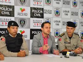 05.06.13 prisao assaltantes banco queimadas fotos roberto guedes secom pb 23 270x202 - Polícia prende quadrilha acusada de assaltar banco na cidade de Queimadas