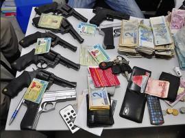 05.06.13 prisao assaltantes banco queimadas fotos roberto guedes secom pb 6 270x202 - Polícia prende quadrilha acusada de assaltar banco na cidade de Queimadas