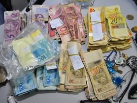 05.06.13 prisao assaltantes banco queimadas fotos roberto guedes secom pb 7 270x202 - Polícia prende quadrilha acusada de assaltar banco na cidade de Queimadas