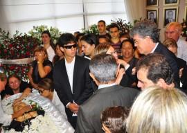 05.06.13 velorio ex dep valdir bezerra fotos vanivaldo ferreira 22 270x192 - Ricardo presta condolências à família do ex-deputado Waldir Bezerra Cavalcanti