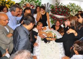 05.06.13 velorio ex dep valdir bezerra fotos vanivaldo ferreira 5 270x192 - Ricardo presta condolências à família do ex-deputado Waldir Bezerra Cavalcanti