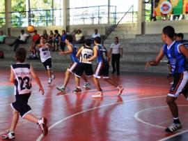 07.06.13 final basquete masculino 1 270x202 - Basquete masculino e futebol de campo movimentam Jogos Escolares 2013