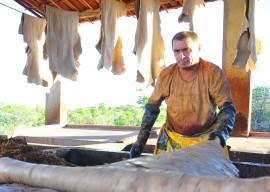 10.06.13 arteza cabaceiras fotos roberto guedes 84 270x192 - Investimentos do governo do Estado elevam produção do couro em 25% no Cariri