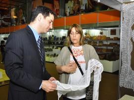 11.06.13 embaixador de israel visita salao artesanato fotos roberto guedes 2 270x202 - Primeiro-secretário da Embaixada de Israel visita Salão de Artesanato