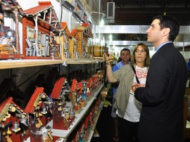11.06.13 embaixador de israel visita salao artesanato fotos roberto guedes 3 270x202 - Primeiro-secretário da Embaixada de Israel visita Salão de Artesanato