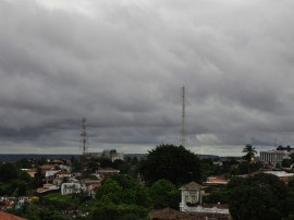 12.06.13 chuvas fotos roberto guedes 32 270x202 - Meteorologia prevê chuvas esparsas no Agreste, Brejo e Litoral nesta terça-feira