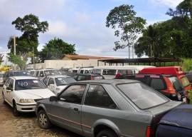 13.06.13 LEILAO CARROS FOTOS JOAO FRANCISCO 8 270x192 - Governo do Estado realiza leilão de veículos neste sábado