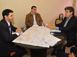 13.06.13 ricardo romulo reuniao kleide teixeira 64 270x202 - Ricardo discute cooperação técnica com diplomata de Israel