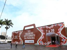 14.06.13 visita primeira dama salao artesanato 1 270x202 - Salão de Artesanato movimenta R$ 120 mil em Campina Grande