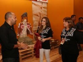 14.06.13 visita primeira dama salao artesanato 31 270x202 - Salão de Artesanato movimenta R$ 120 mil em Campina Grande