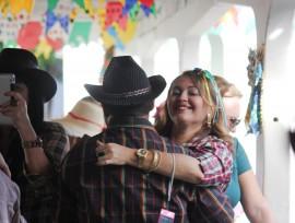 223 270x204 - Funcionários se confraternizam em festa do São João do Lacen