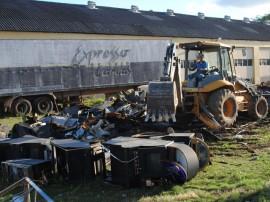 Destruição de máquinas caça níqueis 225 270x202 - Máquinas de caça-níqueis são destruídas no Centro Operacional da Receita Estadual