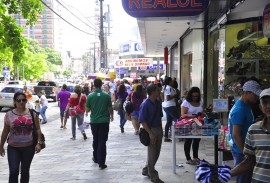 centro de joao pessoa pedestres comercio foto jose lins 111 270x183 - Vendas do comércio da Paraíba registram 2º maior crescimento do país em abril