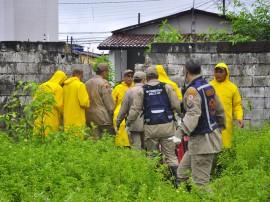 defesa civil bombeiros especionam areas de risco timbo foto kleide teixeira 166 270x202 - Corpo de Bombeiros ajuda famílias a saírem de pontos de risco na Capital