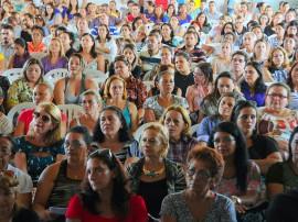 ricardo ENTREGA DE NETBOOKS educacao foto jose marques 23 270x202 - Ricardo entrega netbooks a 700 professores da rede estadual