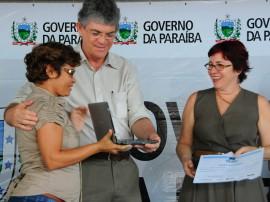 ricardo ENTREGA DE NETBOOKS educacao foto jose marques 34 270x202 - Ricardo entrega netbooks a 700 professores da rede estadual