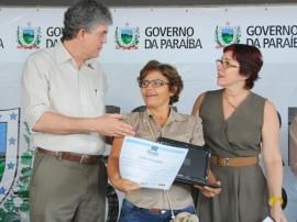 ricardo ENTREGA DE NETBOOKS educacao foto jose marques 43 270x202 - Ricardo entrega netbooks a 700 professores da rede estadual