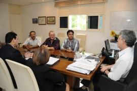 09.07.13 ricardo sindicato professores fotos jose marques 22 270x179 - Ricardo discute política educacional com diretores do Sintep