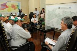 25.07.13 ricardo reuniao fetag 2 270x180 - Ricardo recebe trabalhadores rurais e garante manter investimentos