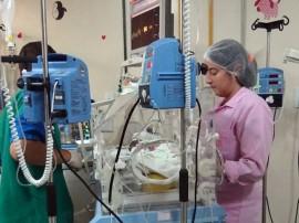 Antes de ser liberado para o Espaço Canguru o bebe da enfermeira Marciana ficou 29 dias internado na UTI da maternidade1 270x202 - Método Canguru é desenvolvido com sucesso pela Maternidade de Patos