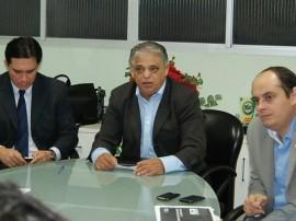 Carlos Alberto e delegados reunião 24.07.2013 0061 270x202 - Secretário da Segurança e delegado geral se reúnem com entidades de classe da Polícia Civil