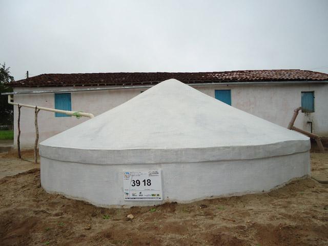 Cisternas de Placa no sertao paraibano Sedh e mds 2 - Construção de cisternas ajuda convivência com a seca em 35 cidades