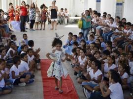 DIEGO NÓBREGA Desfile de Roupas Recicladas Colégio Eptácio Pessoa 311 270x202 - Alunos de Escola Estadual apresentam projeto com material reciclável