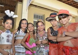 DIEGO NÓBREGA Desfile de Roupas Recicladas Colégio Eptácio Pessoa 6 270x192 - Alunos de Escola Estadual apresentam projeto com material reciclável