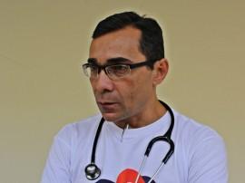Dr. Claudio Regis Diretor do Arlinda MArques FOTO Ricardo Puppe 270x202 - Caravana do Coração atende crianças e gestantes em Cajazeiras
