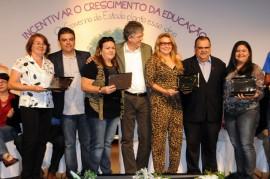 MESTRES DA EDUCAÇÃO 5 270x179 - Ricardo lança prêmios e ressalta investimentos na educação