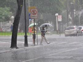 chuvas em joao pessoa foto jose lins 53 111 270x202 - Em nove horas chove quase o esperado para todo o mês em João Pessoa