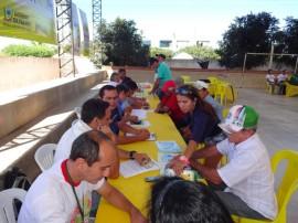 emater jornada de inclusao produtiva agricultura familiar vieiropolis 2 270x202 - Governo promove Jornada de Inclusão Produtiva e atende agricultores
