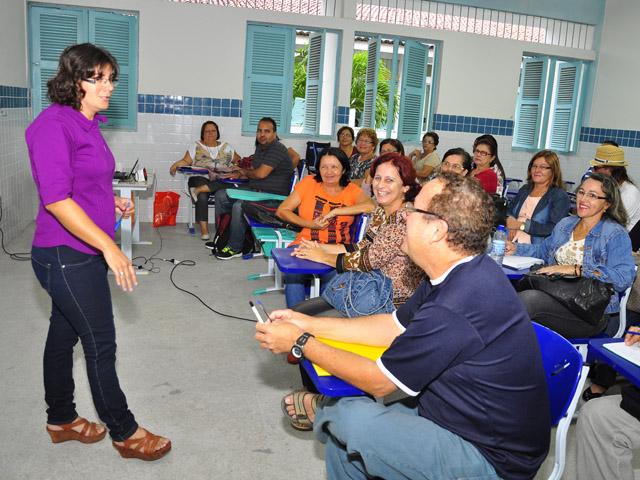 see inicio das aulas de especializacao de professores e tecnicos foto jose lins 11 - Começam aulas de especialização para professores e técnicos em 12 polos