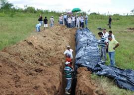 16.08.13 agricultores constroem barragem subterrnea 5 1 270x192 - Agricultores constroem barragem subterrânea para manter lavouras