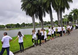 29.08.13 estudantes lagoa babajismo fotos jose lins 77 270x192 - Estudantes 'abraçam' a Lagoa no Dia de Combate ao Fumo