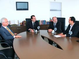 Assinatura Termo de Cooperação com Agevisa fotos Ernane Gomes 1 270x202 - Agevisa e Ministério Público formalizam parceria para garantir regularidade de pactuações