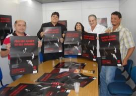 Campanha Entrega Material 09.08 29 270x192 - Campanha de Proteção Integral à Criança e ao Adolescente distribui material educativo