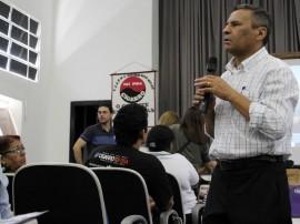 Combate fumo Lyceu FOTO Ricardo Puppe5 270x202 - Governo reúne parceiros para discutir ações de combate ao tabagismo nas escolas